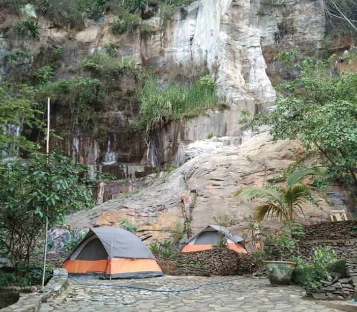tempat wisata bandung curug batu templek