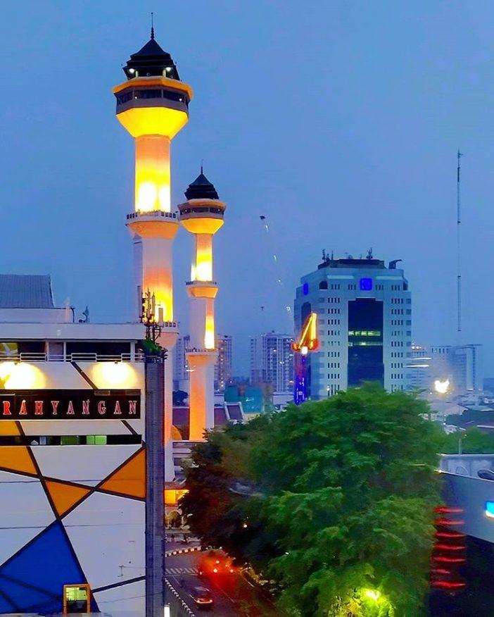 tempat wisata bandung masjid raya bandung