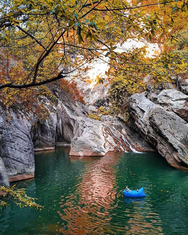 tempat wisata bandung Sanghyang Heuleut