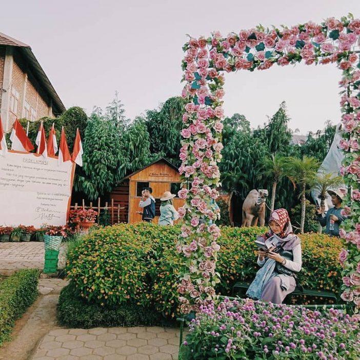 tempat wisata romantis di bandung taman begonia lembang